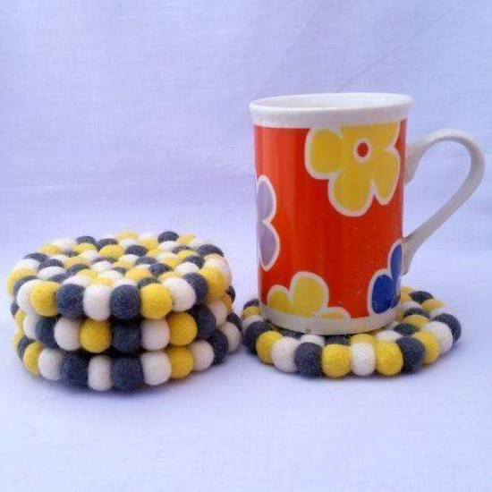 10cm Bumblebee Felt Ball Tea Coasters