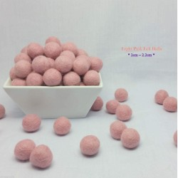 2cm Light Pink Felt Balls