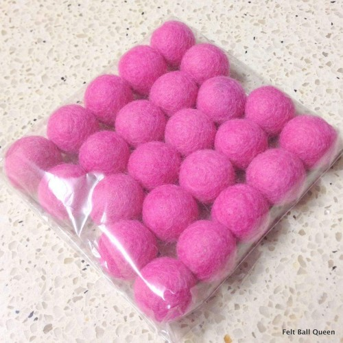 2cm Pink Felt Balls by Mimosa Crafts