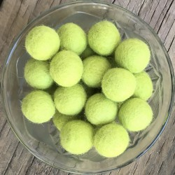 2cm Laurel Green Felt Balls